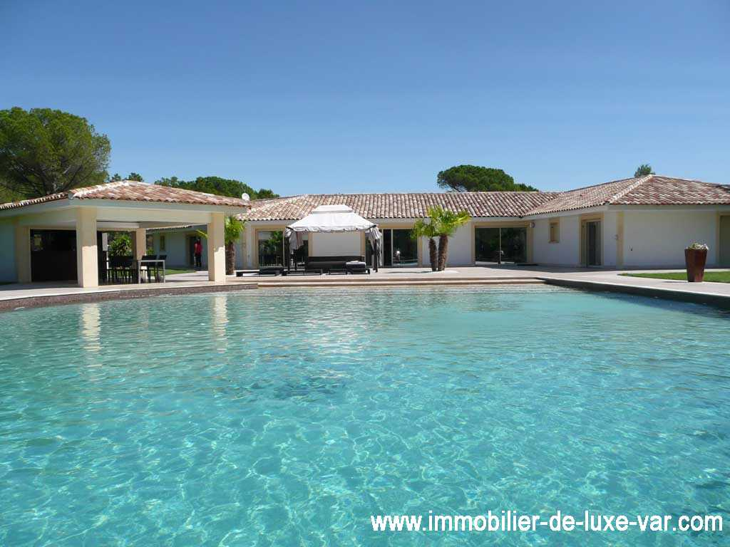 Property haut at gamme House modern - ROQUEBRUNE SUR ARGENS - Luxury real estate