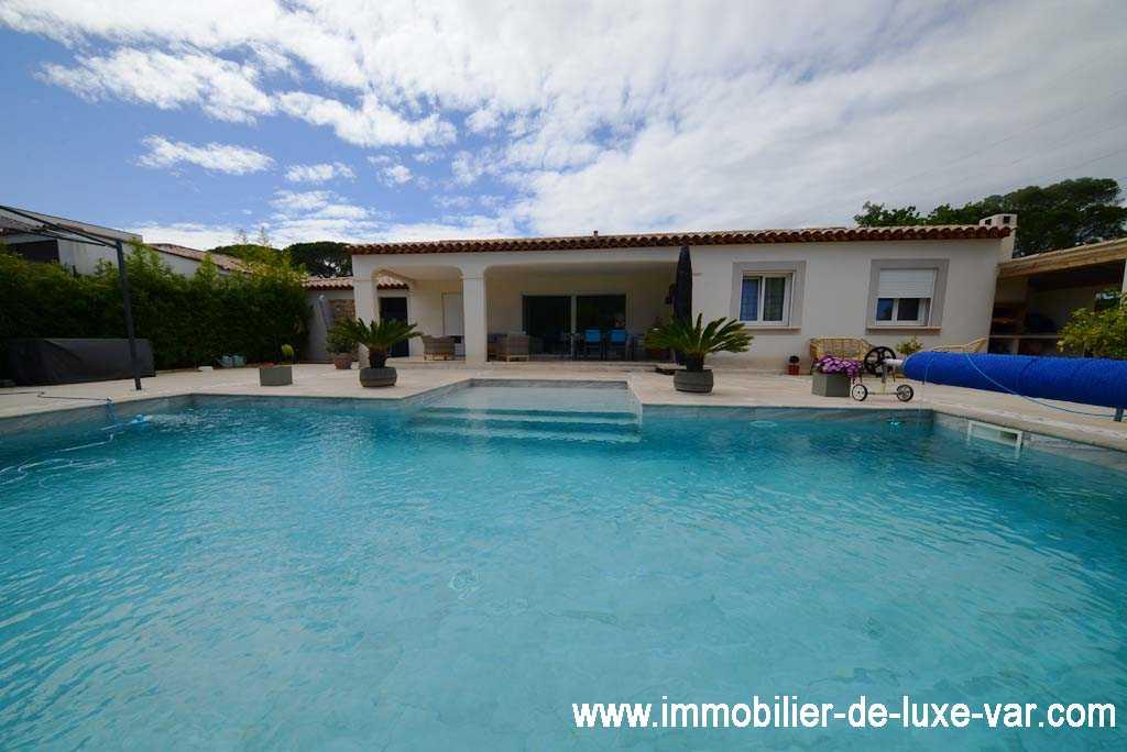 Villa 5 pièces de plain-pied avec piscine - PUGET SUR ARGENS